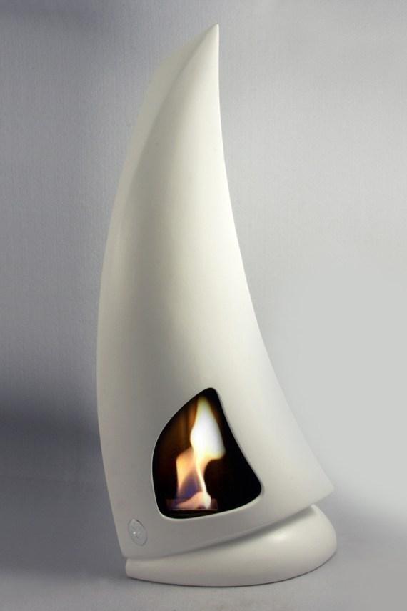 Altezza 70/71  cm<br>Diametro base  15/16 × 15/16 cm <br>Combustione: Bioetanolo<br>Materiale: Ceramica<br>Made in Italy